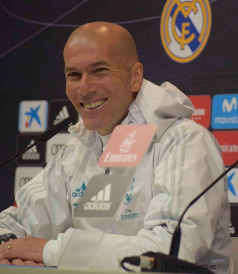 Zidane sonriendo